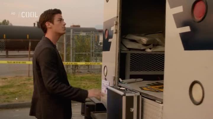 The Flash S01E04 Samotar CZ dabing